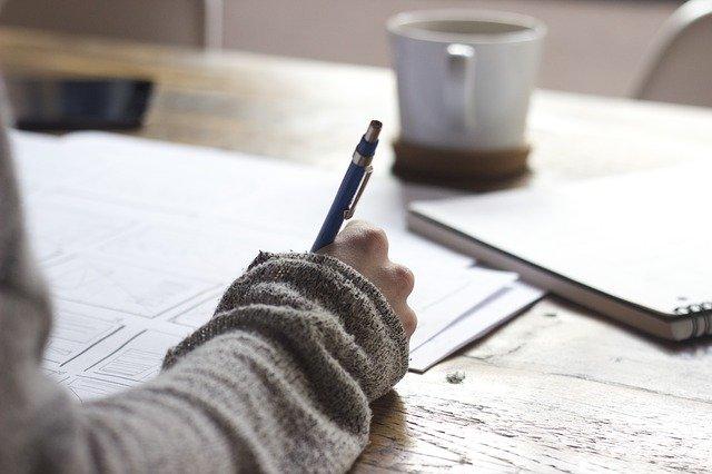 Skanowanie dokumentów - proces, z którym można się zetknąć nie tylko w sferze zawodowej, ale i prywatnej